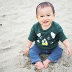 生後5ヶ月の赤ちゃんがプールや海に行くのは早いの?いつからならいいの?