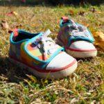 1歳児が靴を嫌がるときや食事エプロンをしないときに試したい方法5選!